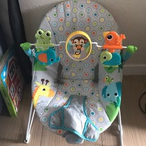 Brand new baby bouncer only used twice